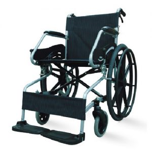 รถเข็นผู้ป่วยผู้สูงอายุ / Wheelchair SOMA 150.3 F24 แบบอลูมิเนียม มือจับพับลงได้ รับน้ำหนักได้ 100 กิโกกรัม
